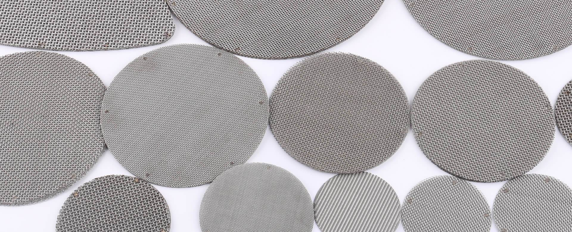 There are several multiple layers of extruder discs with different sizes.